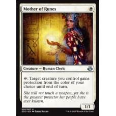 Mother of Runes (Duel Decks Elspeth vs Kiora)